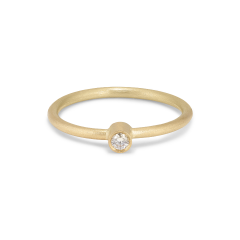 Princess ring, 18-carat gold, 0.05 ct diamond, tube set
